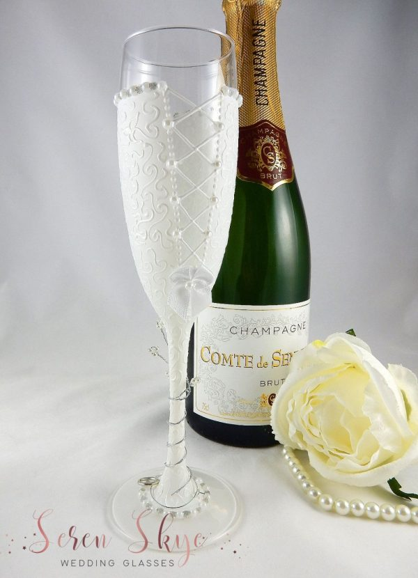 Bride to be champagne flute gift personalised with name on the base, the perfect hen party gift.