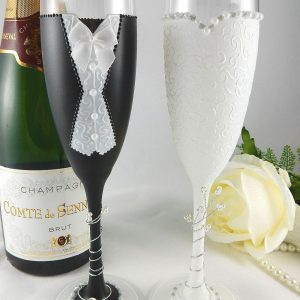 Black and white Mr & Mrs champagne flutes personalised wedding gift.